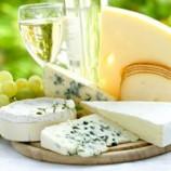 پنیر را با گوجه و خیار نخورید!