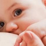 تغذیه با شیرمادر به رشد مغزی کودک کمک میکند